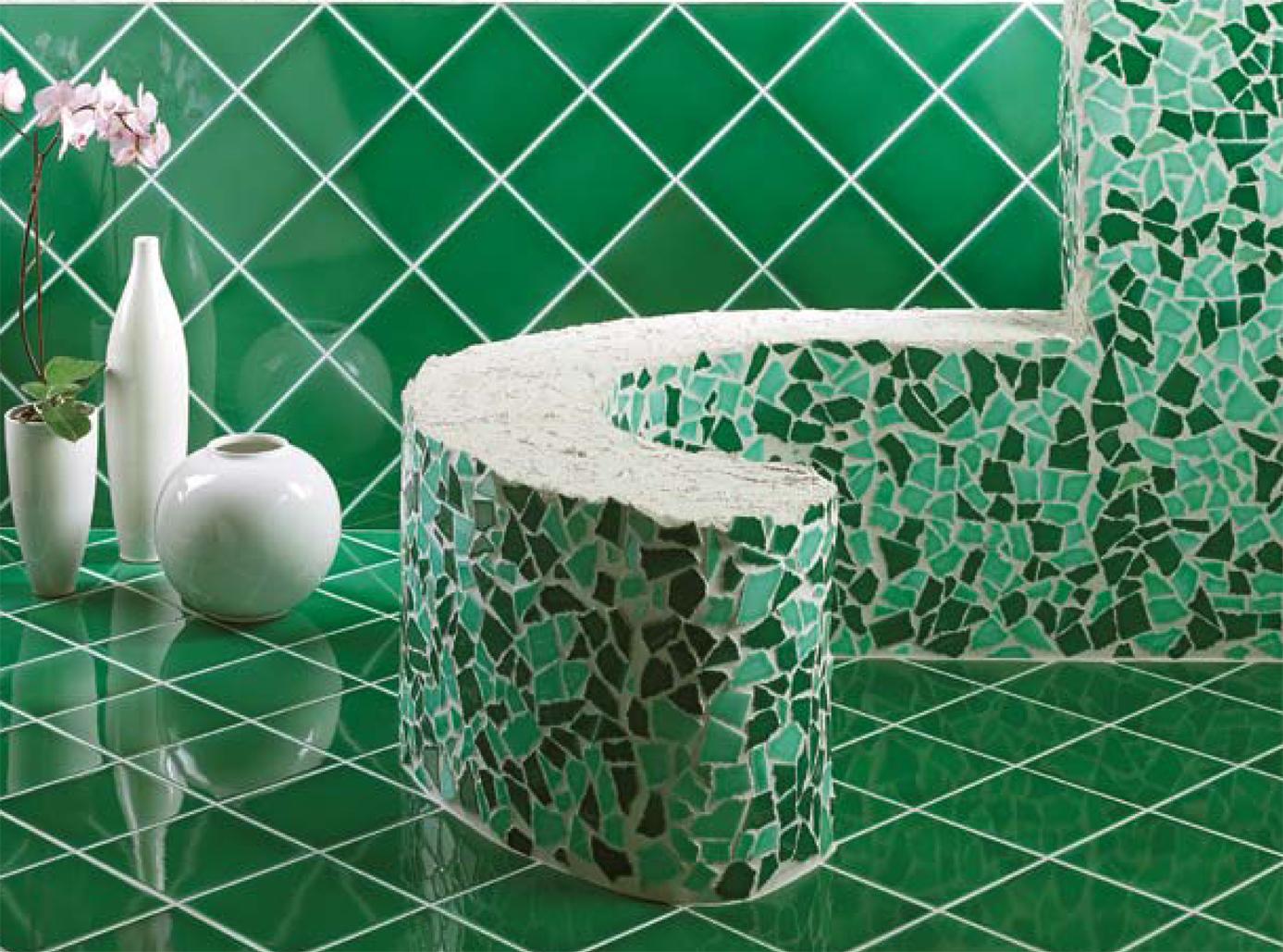 Piastrelle bagno verde smeraldo idee di design per la casa